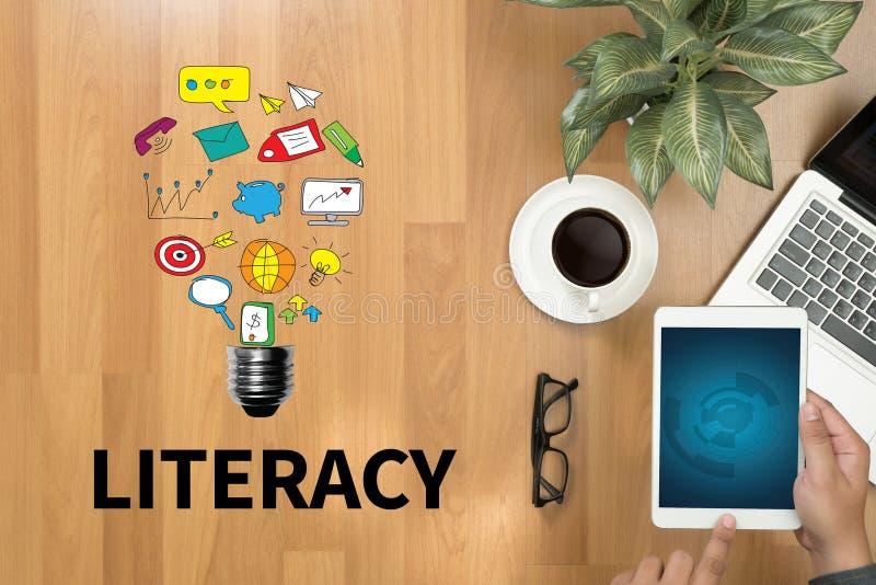 PIŚMIENNOŚCI edukaci szkoły Pieniężna piśmienność edukacja zdjęcie stock
