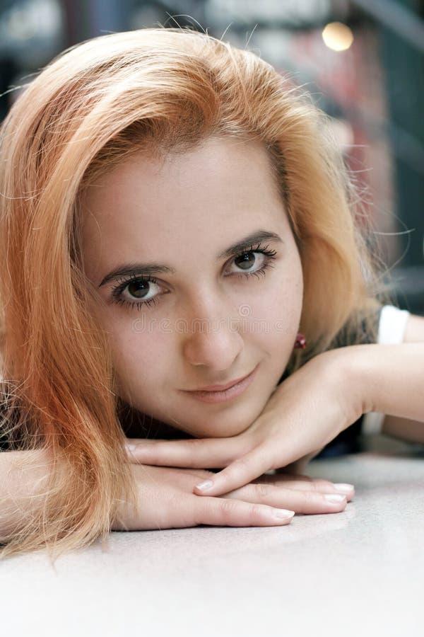 Download Piękna Blondynka Dziewczyna Obraz Stock - Obraz złożonej z oczy, piękny: 126171