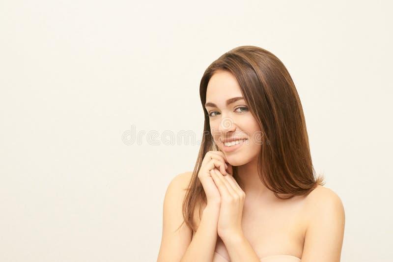 pi?kna coloful projekta element?w twarzy dziewczyny ilustracja Twarzowy medyczny zastrzyk Medycyny procedura Kosmetologia portret zdjęcie royalty free