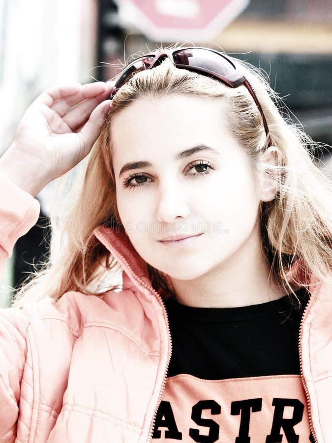 Download Piękna dziewczyna zdjęcie stock. Obraz złożonej z portret - 130106