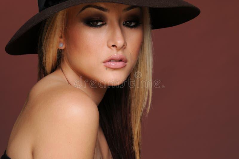 Download Piękna Kobieta Fotografia Royalty Free - Obraz: 19435547