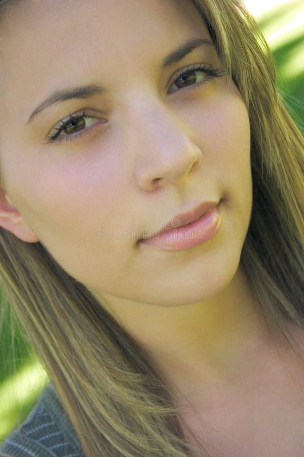 Download Piękna kobieta zdjęcie stock. Obraz złożonej z twarz, ludzie - 26680