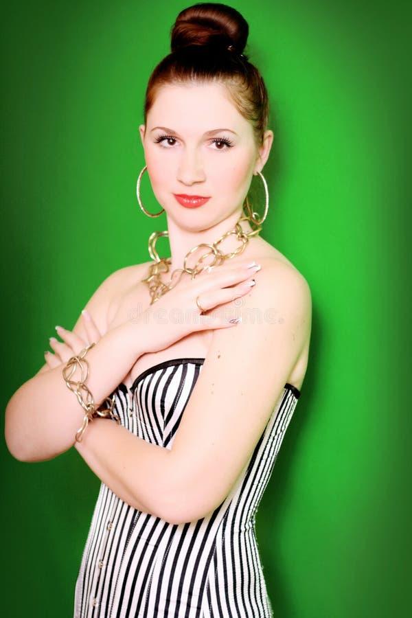 Download Piękna kobieta obraz stock. Obraz złożonej z patrzeje - 28957517