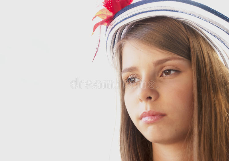 Download Piękna Nastoletnia Dziewczyna W Kapeluszu Zdjęcie Stock - Obraz złożonej z piękny, fryzury: 57667748