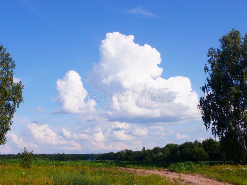pi?kne chmury zdjęcia stock