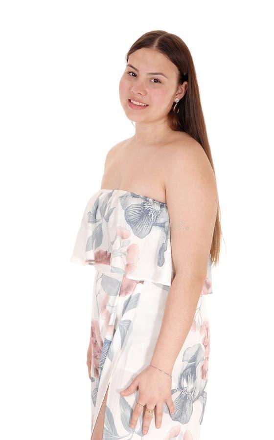 Pi?knej nastolatek dziewczyny trwanie talia w w g?r? profilu zdjęcie stock