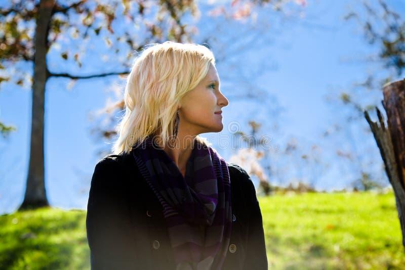 Pi?kni blondynka kraju Gal spojrzenia Za obrazy royalty free