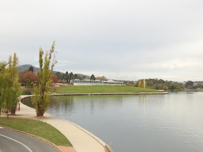 Pi?kni miasta Australia s? Canberra i Sydney zna? dla Gryf jeziora, muzeum narodowe, sztuki galeria, parlament obraz royalty free