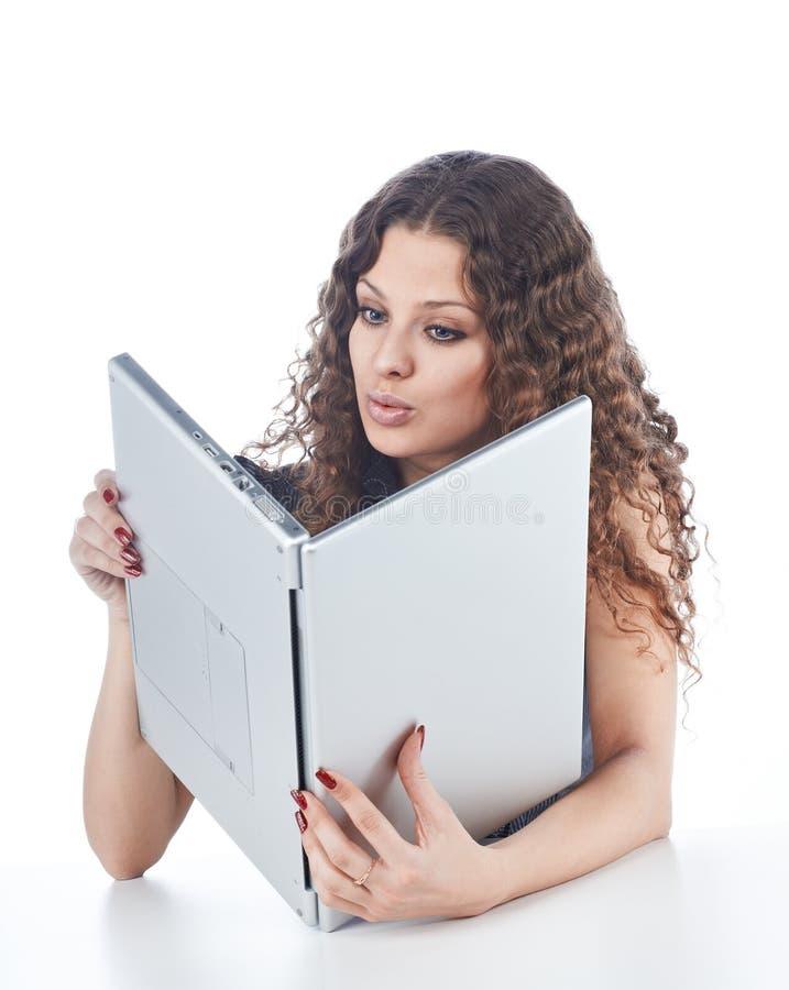 Download Piękni Mienia Laptopu Kobiety Potomstwa Obraz Stock - Obraz złożonej z mienie, zdziwienie: 13341863