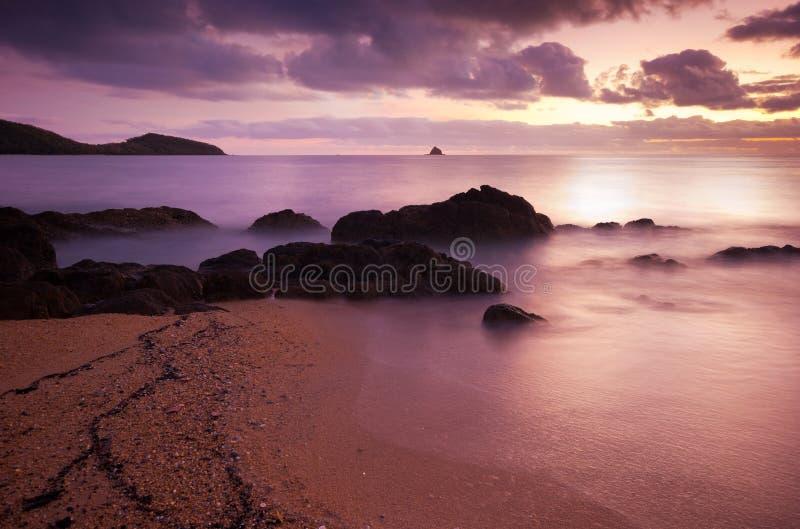 Download Piękny halny jezioro zdjęcie stock. Obraz złożonej z skały - 29314994