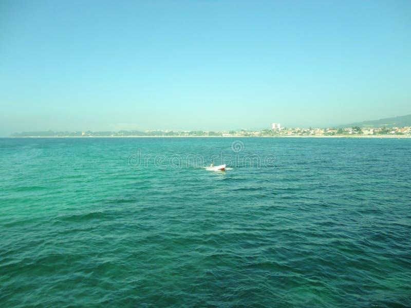 Pi?kny krajobraz morze ?r?dziemnomorskie zdjęcie royalty free
