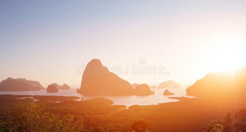 Pi?kny krajobraz tropikalna wyspa obraz royalty free