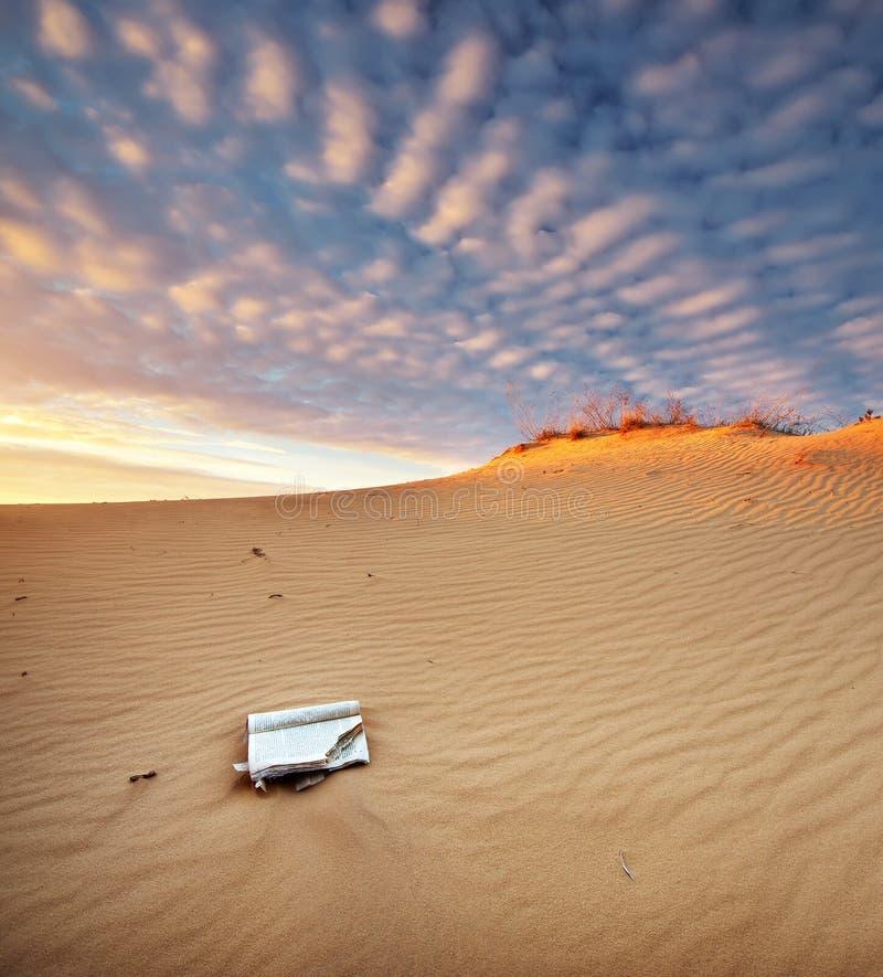 Download Piękny krajobraz w pustyni zdjęcie stock. Obraz złożonej z błękitny - 57658360