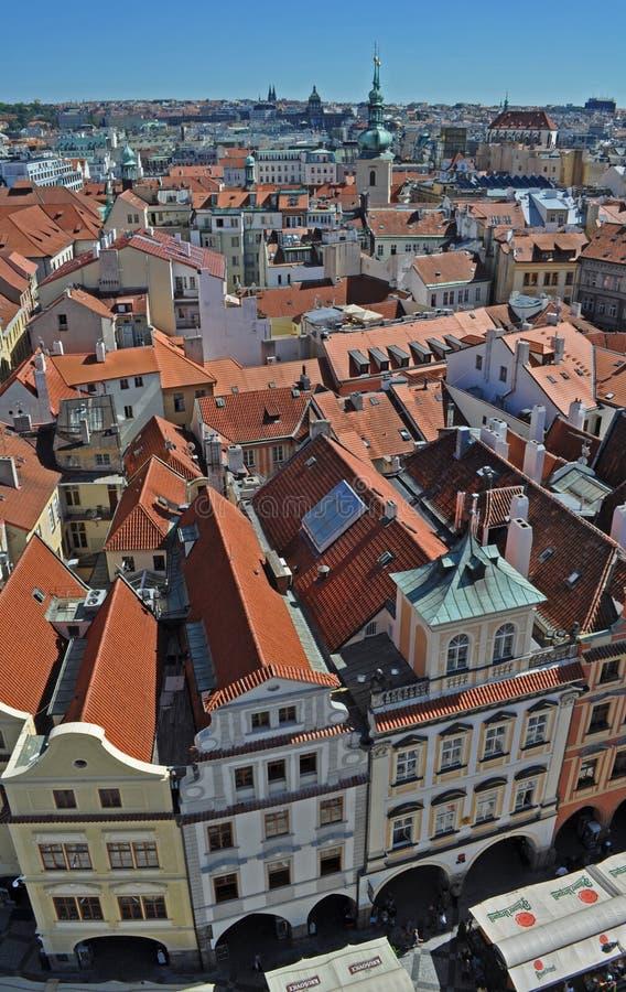Pi?kny odg?rny widok dziejowy centrum Praga, Nowy urz?d miasta, republika czech zdjęcie royalty free