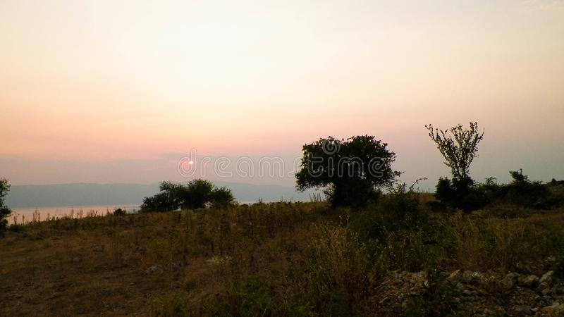Pi?kny zmierzch nad Jeziornym Ochrid macedonia obrazy stock