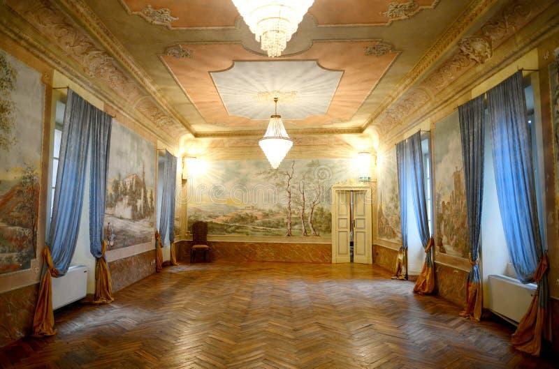 Piacenza, Italia - 19 de noviembre de 2016: Vista interior de una 17ma c foto de archivo