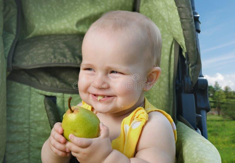 piacere della Pera-scuola materna. fotografia stock libera da diritti