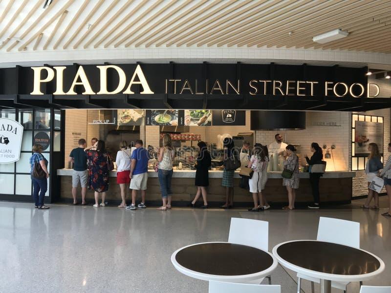 Piada italiensk gatamat på gallerian av Amerika i Bloomington, Minnesota arkivbild
