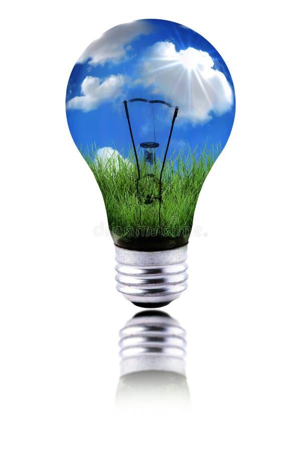 Pianeta sano usando energia verde alla funzione immagini stock libere da diritti