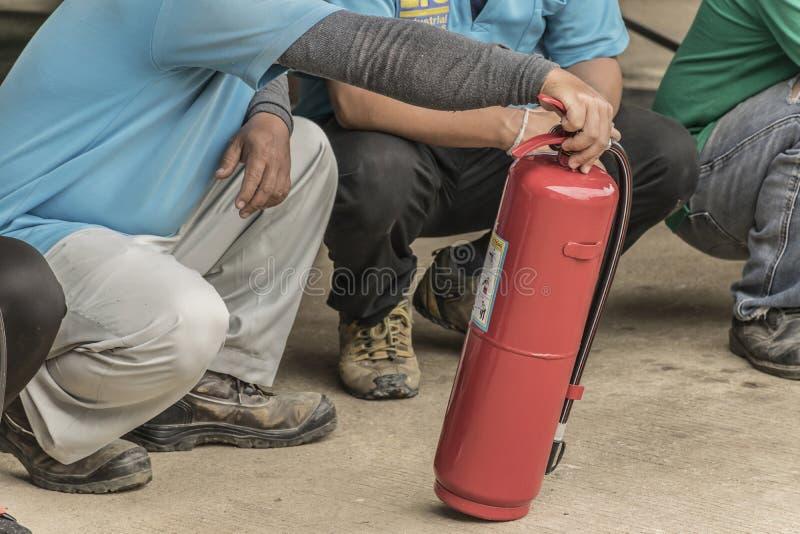 Piani di protezione contro l'incendio di pratica e di addestramento, stoccaggio di gas di GPL, agosto 29, 2018 immagini stock libere da diritti