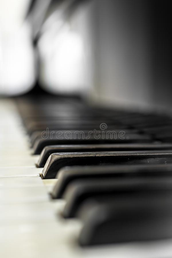 Pianino klucze z płycizną DOF zdjęcie royalty free