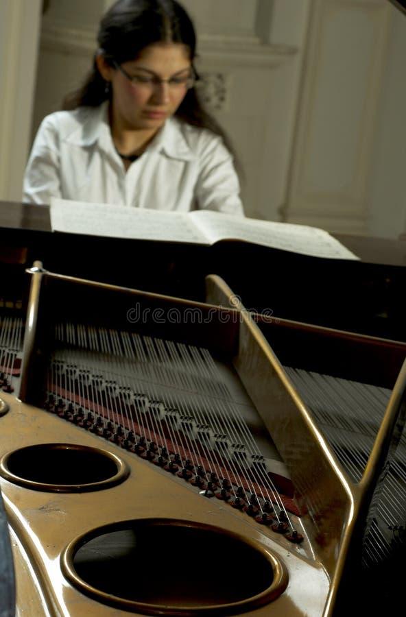 Pianista realizado en el piano imagenes de archivo