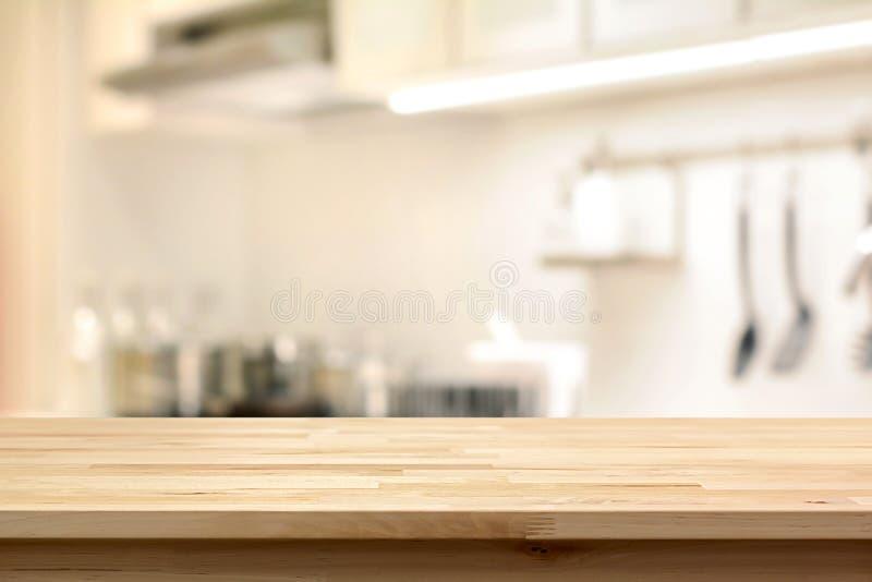 Piano d 39 appoggio di legno x28 come island x29 della cucina sulla parte posteriore dell - Piano della cucina ...