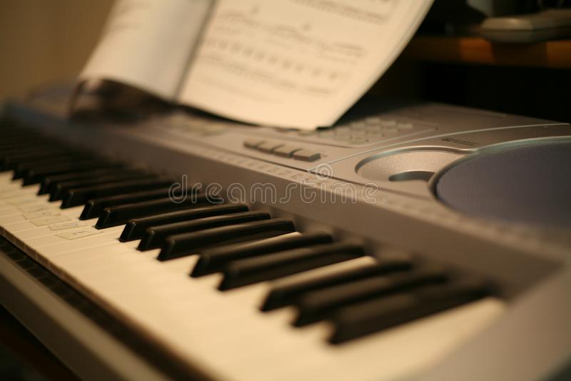 Piano del teclado imagen de archivo