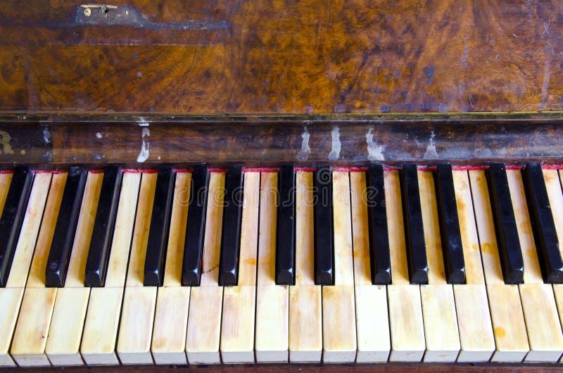 Piano dello strumento musicale dell'annata della priorità bassa retro fotografia stock libera da diritti
