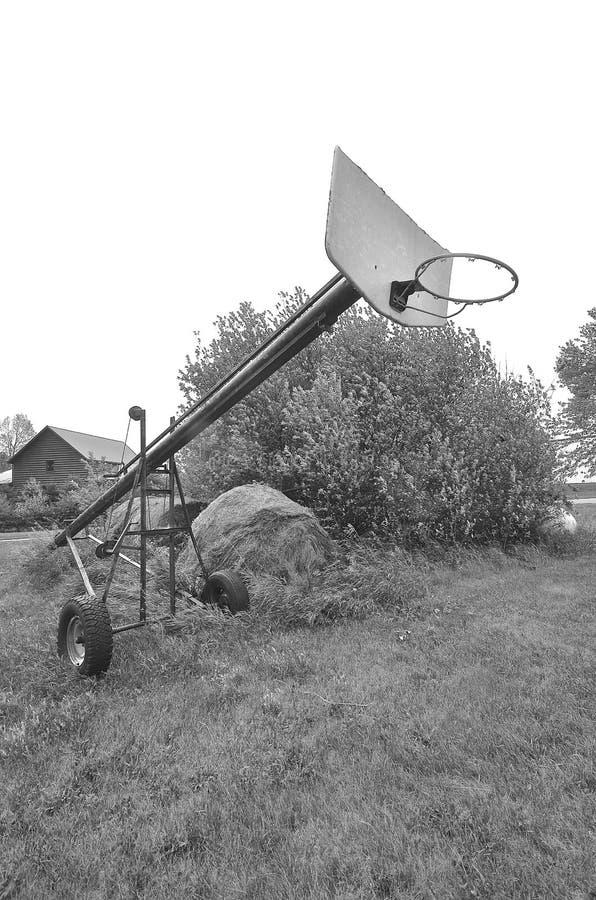Piano di sostegno di pallacanestro sull'elevatore fotografia stock