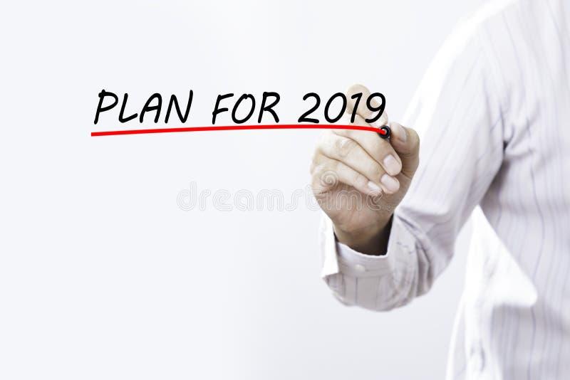 Piano di tiraggio dell'uomo d'affari per 2019 la parola, progettazione di addestramento imparando concetto di preparazione di Lea fotografia stock libera da diritti