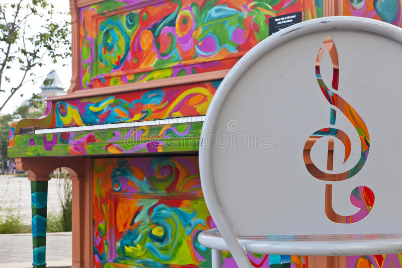 Piano peint dans la vieille ville de Fort Collins photo libre de droits