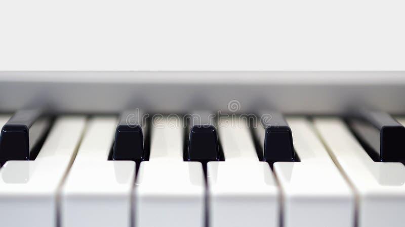 Piano in vooraanzicht stock afbeeldingen