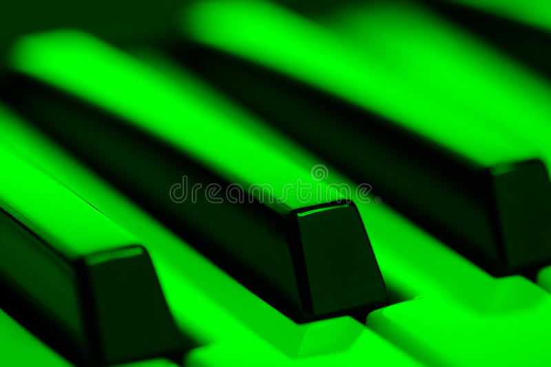 Pianosleutels in Groen Licht stock foto's