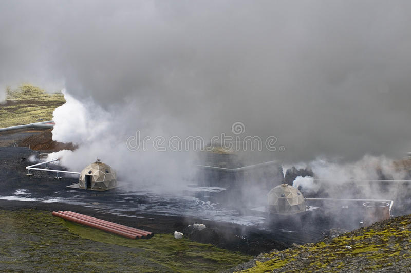 Pianta geotermica di Hellisheidi, Islanda fotografie stock libere da diritti