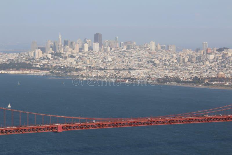 Piante ed alberi su golden gate bridge, San Francisco, California, U.S.A. immagine stock libera da diritti