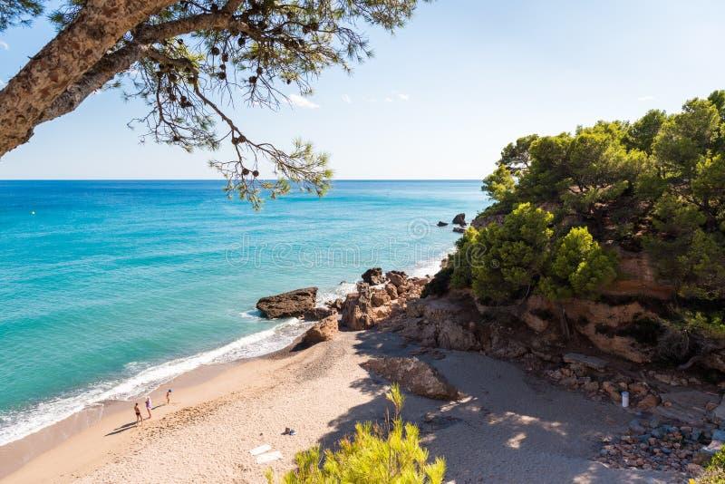 Piasek plaża w Miami Platja, Tarragona, Catalunya, Hiszpania Odbitkowa przestrzeń dla teksta obrazy stock