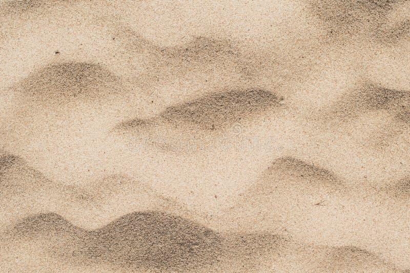 Piasek w pustyni Żółty piasek z falami na nim zdjęcie stock