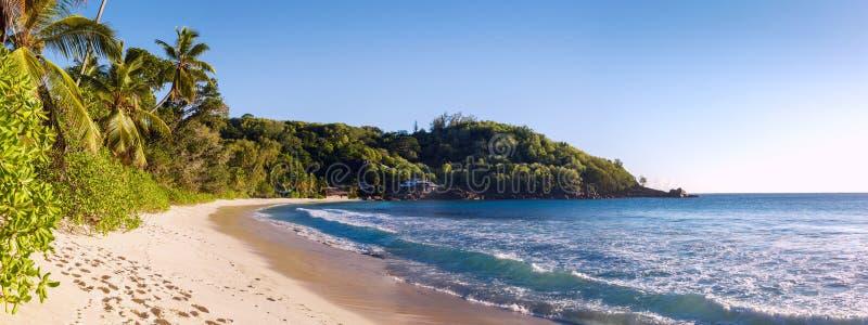 Piaskowata plaża przy Seychelles fotografia stock