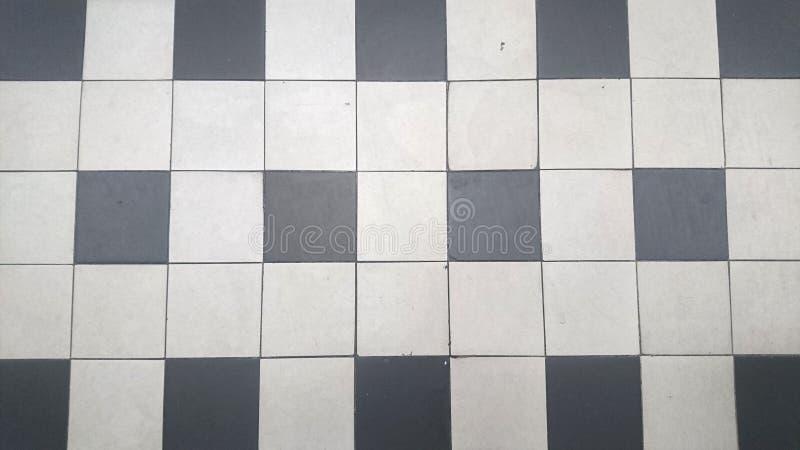 Pavimento bianco e nero bagni di bianco e nero eleganza senza tempo casafan with pavimento - Stock piastrelle versace ...