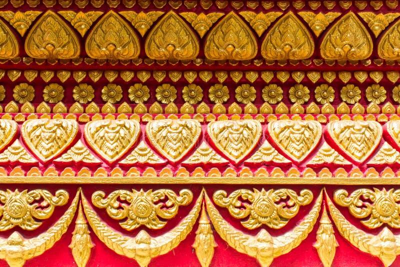 Piastrelli l'arte sulla parete del tempio, stile tailandese fotografia stock libera da diritti