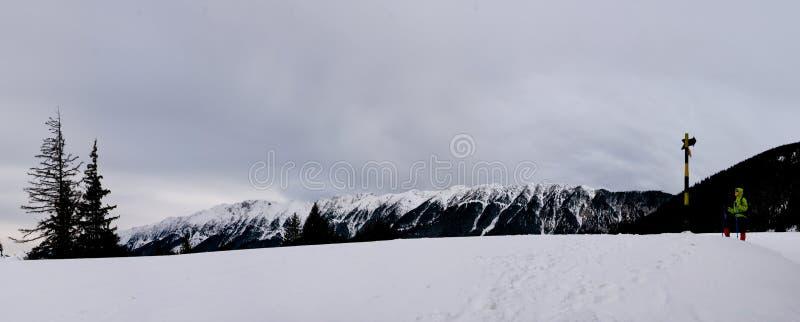 Download Piatra βουνών craiului στοκ εικόνες. εικόνα από διακοπές - 13176654