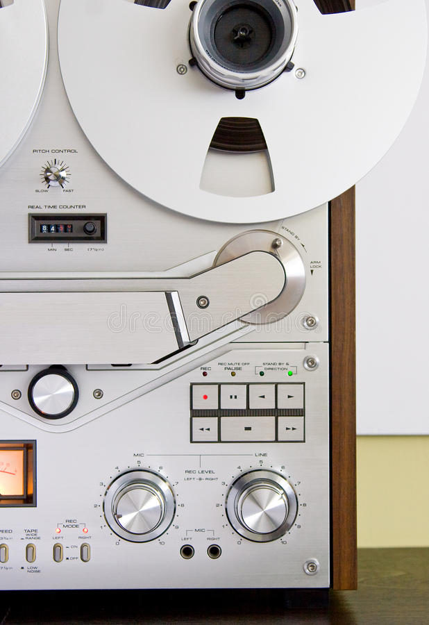 Piattaforma bobina a bobina del registratore di nastro dell'annata immagine stock
