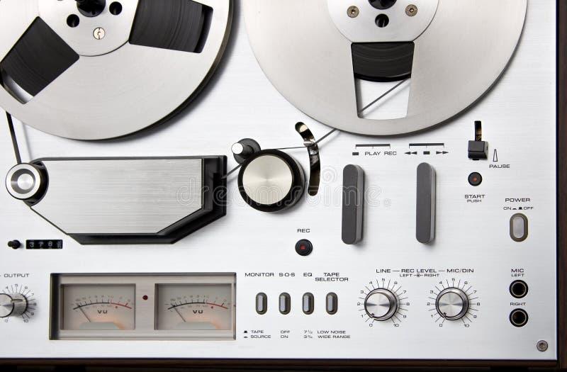 Piattaforma bobina a bobina del registratore di nastro dell'annata immagini stock