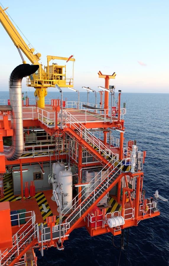 Piattaforma del gas e del petrolio nel golfo fotografia stock libera da diritti