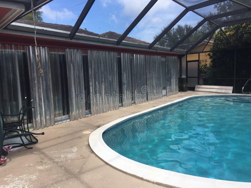 Piattaforma dello stagno della preparazione di uragano di Florida fotografia stock libera da diritti