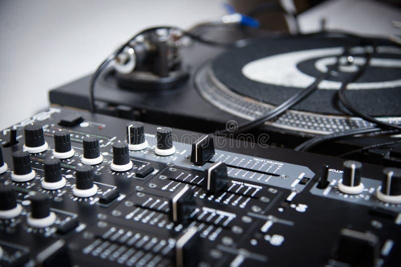 Piattaforma di Consolle DJ fotografia stock libera da diritti