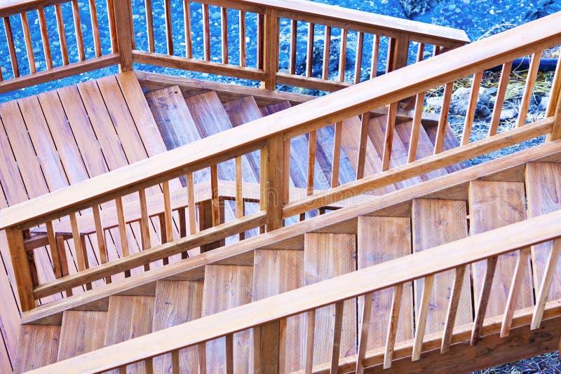 Piattaforma di legno immagini stock libere da diritti