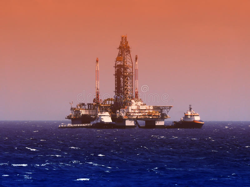 Piattaforma di perforazione del gas e del petrolio marino o impianto di perforazione, golfo del Messico fotografie stock