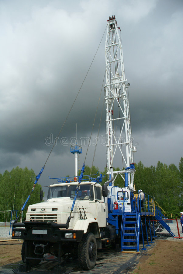 Piattaforma di produzione, industria petrolifera immagini stock libere da diritti